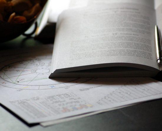 Leer los horóscopos: importancia para tu vida