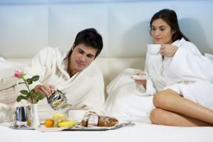 Desayuno-hombre-y-mujer