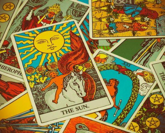 La carta del Tarot que te identifica por tu signo del zodiaco