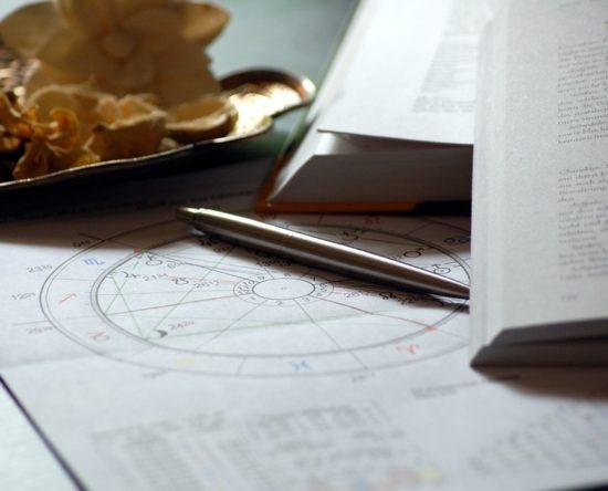Beneficios de leer el horóscopo diario y semanal